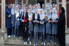 •تعیین ارتباط بین هویت یابی و رشد اخلاقی با سلامت روان در نوجوانان  دختر 12-17 ساله